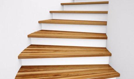 Création et installation d'escalier en bois massif à Menton
