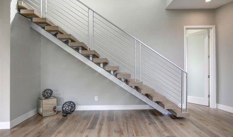 Fabrication et installation d'escaliers en bois sur mesure à Menton